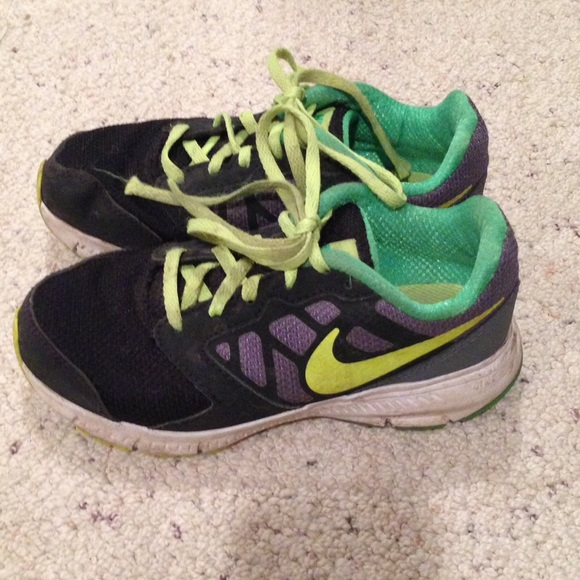 nike shoes kids size 12
