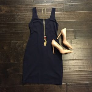 Little navy dress - body icon