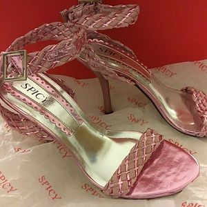 Shoes - Pretty pink High heels