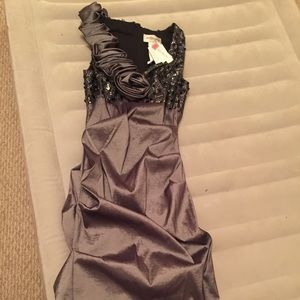 Betsy & Adam Dresses & Skirts - NWT Cocktail Dress- gray with sequins