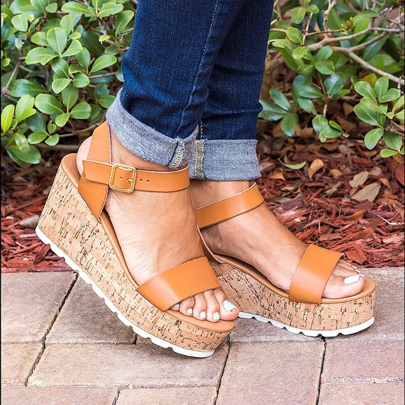 b9484d589fac Amy Strappy Platform Sandals- Chesnut