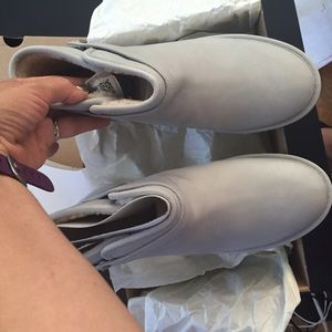 e8af446fb7a UGG rella water resistant frost boots Sz 10 new NWT