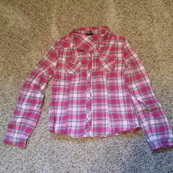 72 Off Rue 21 Tops Rue 21 Size L Pink Grey Flannel