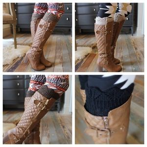 Accessories - Crocheted boot cuff with scallop top