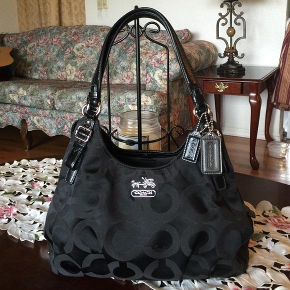Coach Handbags - Coach madison op art maggie shoulder bag 25a6156521ebd