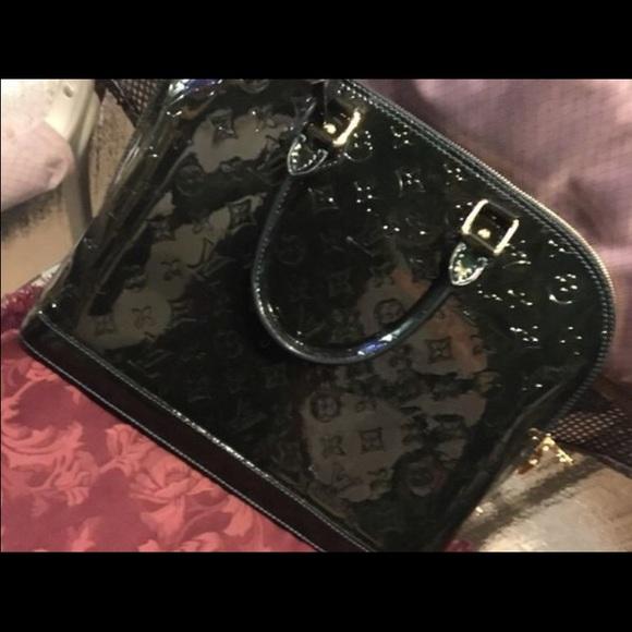 b4b72e553f2 Louis Vuitton Accessories   Alma Monogram Vernis Pm Dark Green ...
