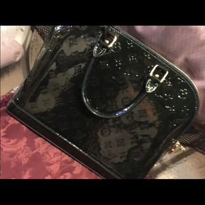 258653cabcdd Louis Vuitton Accessories - Louis Vuitton Alma Monogram Vernis PM Dark Green