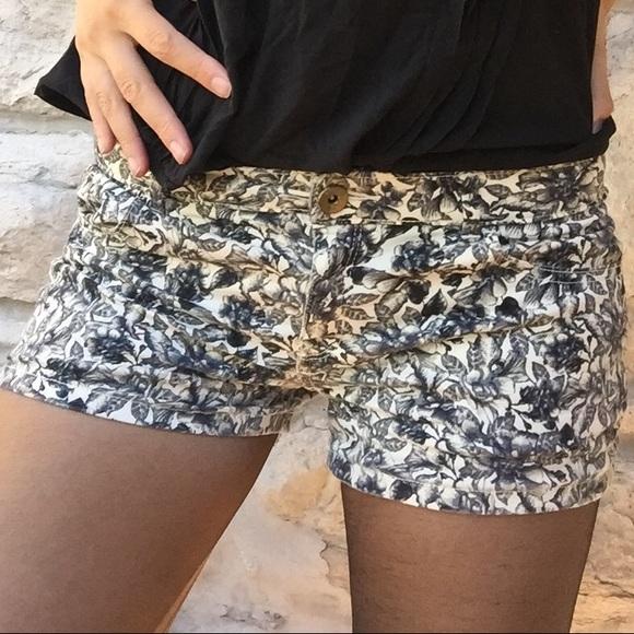 H&M floral print shorts size 8