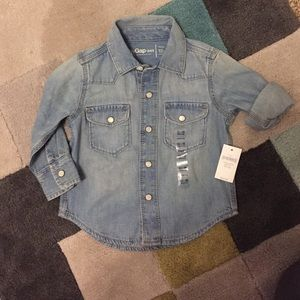 Baby Gap NWT 12-18 Boys Button Up