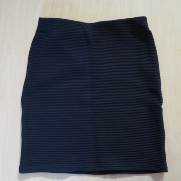 Skirts - NWT Black Ribbed Bodycon Pencil Skirt