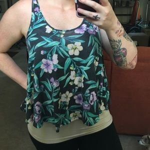 American Eagle Outfitters Tops - MOVING SALE!!!•Floral tank•