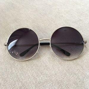 Accessories - Black Silver Round Sunglasses