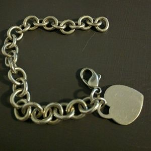 Jewelry - JUST REDUCED -Silver heart charm tag bracelet
