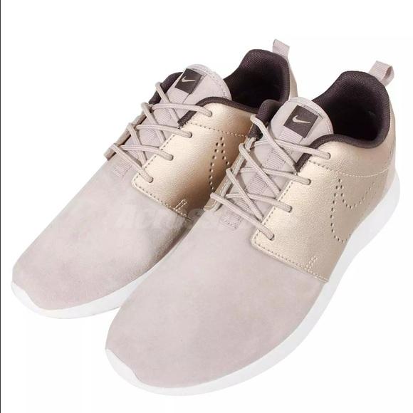 dd380db56b45 Nike Gold Tan Suede Roshe One (Roshe Run) Kicks