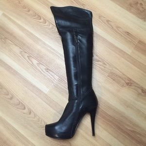Chinese Laundry Elise Top Dollar blk leather boots