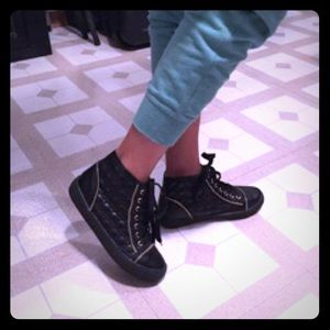 Machi Shoes - Machi Quantis Black Quilted Zip Sneakers