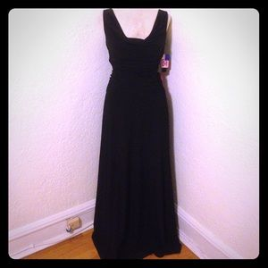 Nightway Dresses & Skirts - ✨PROM✨ NWT Nightway black full length gown dress
