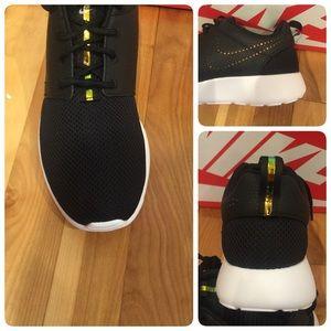 Womens Nike One Nib Prmblackblue Poshmark Shoes Roshe Tint qBUFBExa