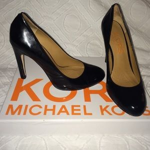 Michael Kors pumps