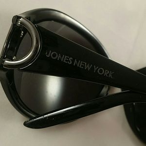 1ee18c364e Jones New York Accessories - Jones New York JN1210568 sunglasses