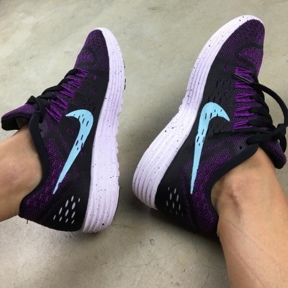 Nike lunarlon tempo purple black blue tennis shoes