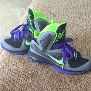 Nike Lebron 9 Joker Basketball Sneakers