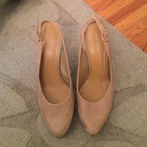 Nine West nude sling back heel