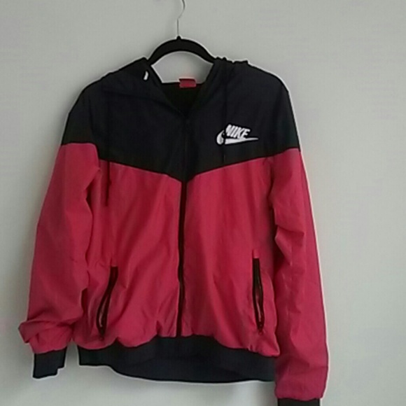 Red and black nike rain coat 4f7404273