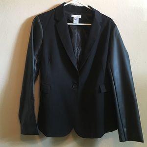 Jackets & Blazers - Black blazer with faux leather sleeves