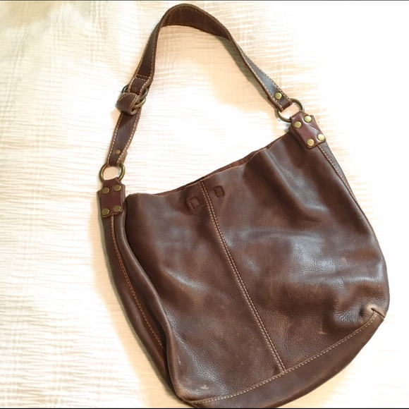 596fc7e78f Lucky Brand Handbags - Lucky Brand distressed brown leather hobo bag