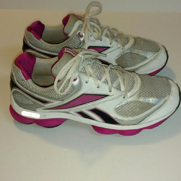 Reebok Sneakers extra sole support. M 57cb15b12ba50a69b1012a14 9270b1f22e6