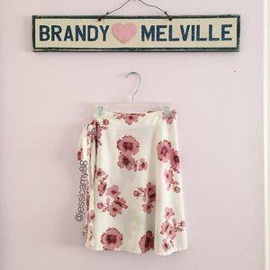 Brandy Melville Dresses & Skirts - NWOT Brandy Melville Genevieve skirt