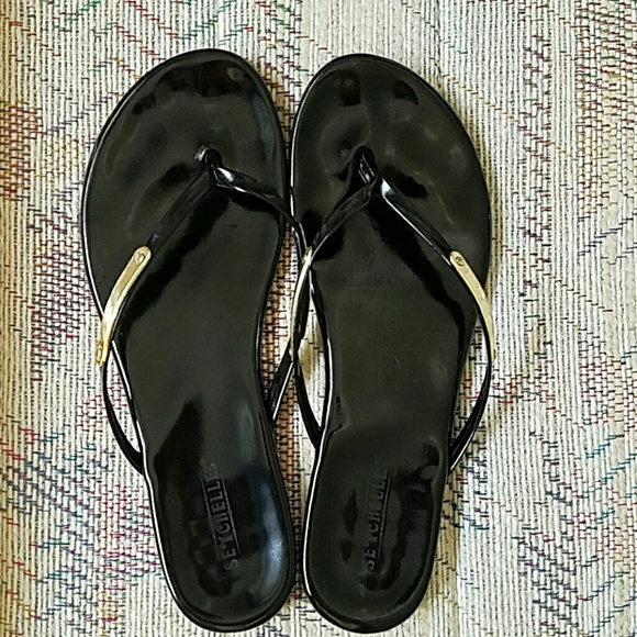 Seychelles Shoes - Black Patent Flip Flops