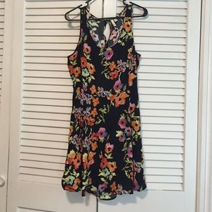 Frenchi Dresses & Skirts - Frenchi Floral Dress with back cut out size L