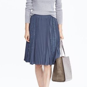 Dresses & Skirts - Banana Republic Pleated Lace Midi Skirt