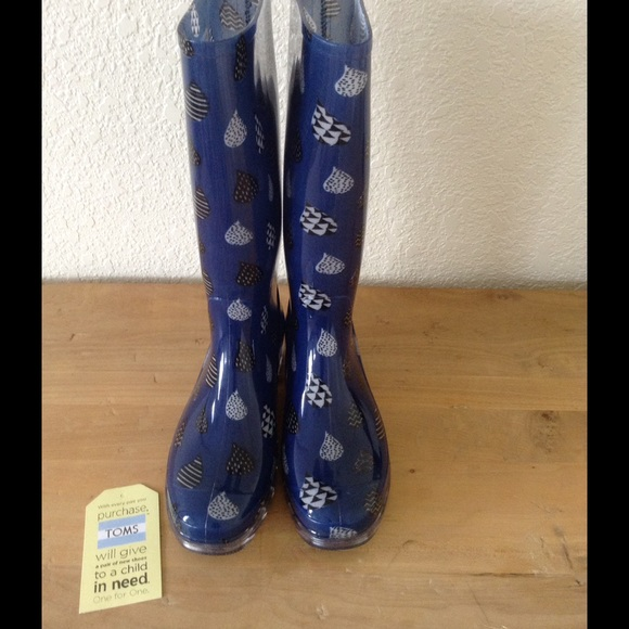 381935d09c6 NWT Toms Cabrilla Rain Boots (Size 7)