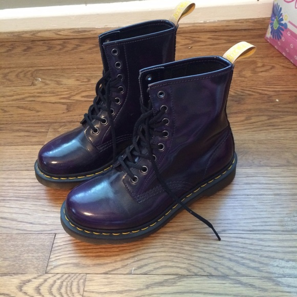 Dr. Martens Shoes - 💜💜DARK PURPLE DOC MARTENS SIZE 7💜💜 4de594a7f
