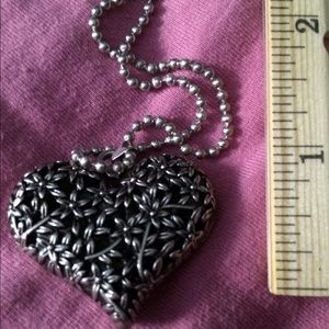 Jewelry - NEW 💗Heart Pendant on Chain💗