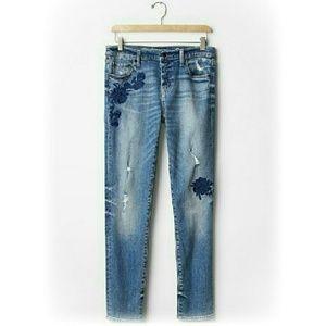 Denim - Embroidered Boyfriend Jeans