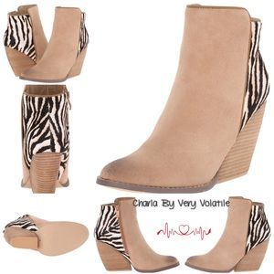 Volatile Shoes - BNWBox🎀 Charla by Very Volatile Size 7.5
