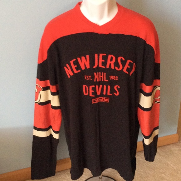 bbb3f3bda NWT Men s Medium CCM New Jersey Devils Shirt
