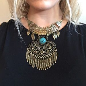 Gold/teal statement necklace!
