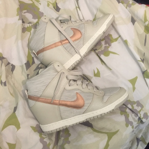 nike womens wedge dunks