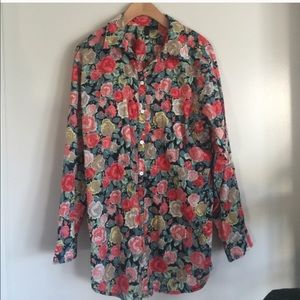H&M Tops - H & M Gorgeous rose button down