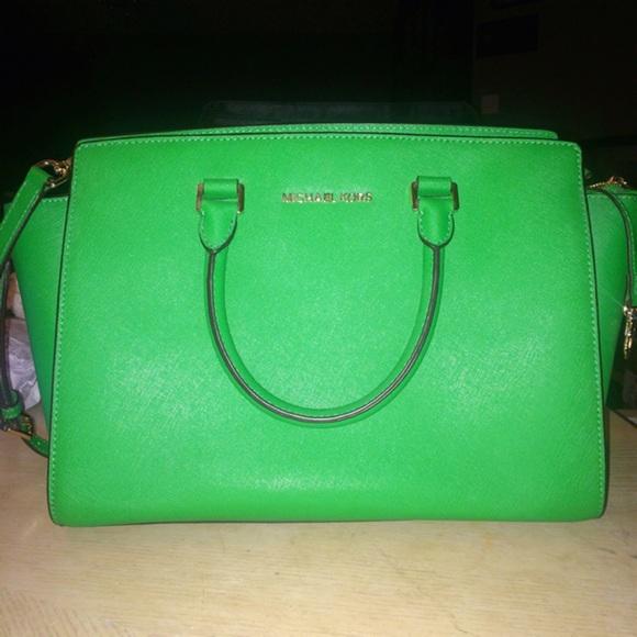 6949bc6947d4 ... spain michael kors selma leather saffiano satchel green 442d9 c305d