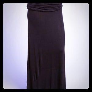 Bellino Clothing Dresses & Skirts - 🍂Reg and plus sizes🍂 perfect Black Maxi Skirt🍷