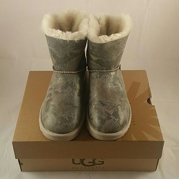 b90e32c3221 Brand New UGG mini bailey bow snake (7) NWT