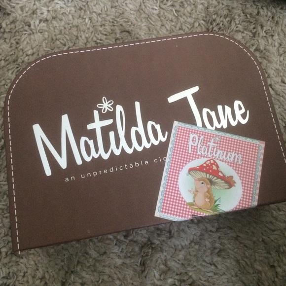 420691e77ab7 Matilda Jane Suitcase. M 57cc20a73c6f9fe00e0015ff