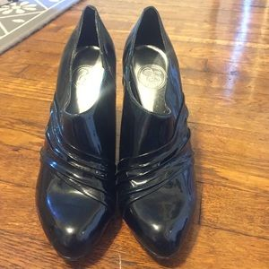 Black Jessica Simpson heels!