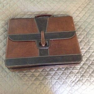 Leather briefcase with 2 sections